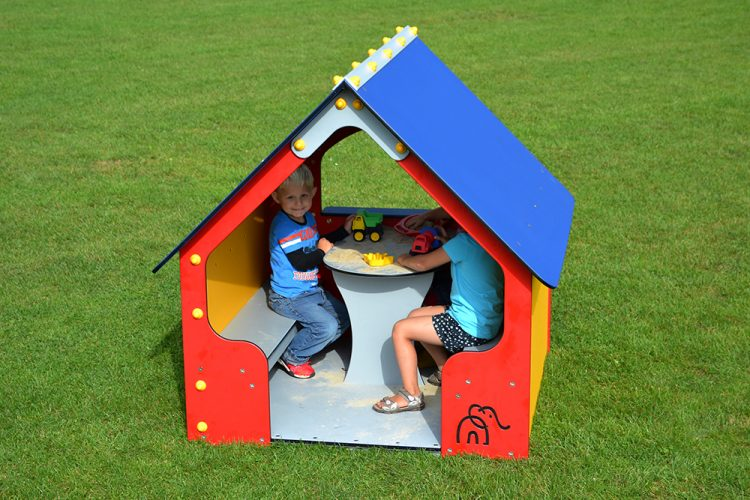 Conventional plastic playhouse